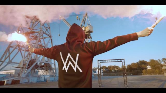 Alan Walker with Au/Ra & Tomine Harket - Darkside (Live Performance at YouTube Space Berlin)